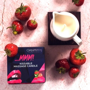Kissable-massage-candle-with-strawberry-flavor